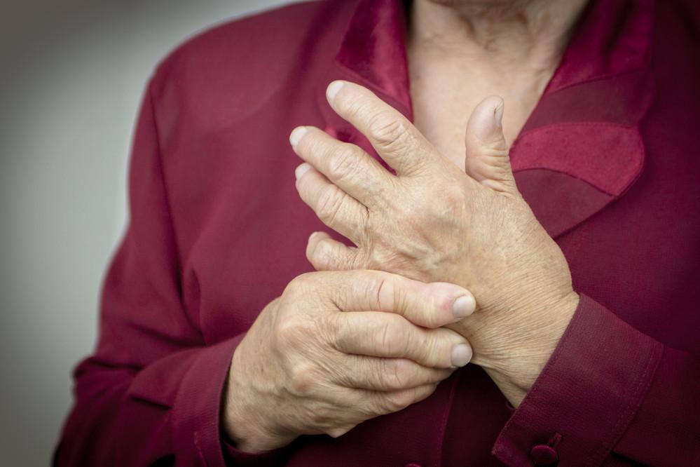 """Клинику """"классического"""" ревматоидного артрита трудно спутать с симптомами других суставных заболеваний."""