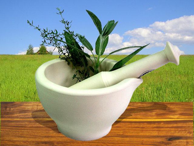 ародная медицина предлагает следующие методы очищения сосудов травами.